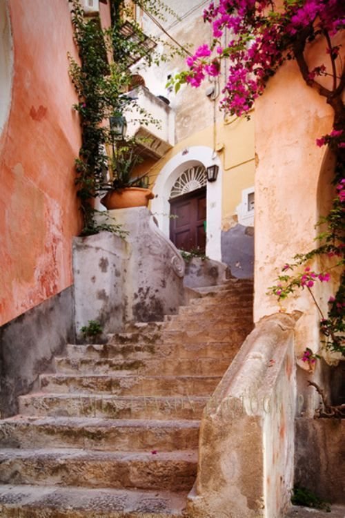 Positano Italy Fashion Trends by Palm Collective 6