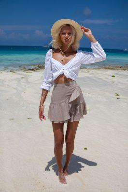 Lola-skirt-in-Zanzibar
